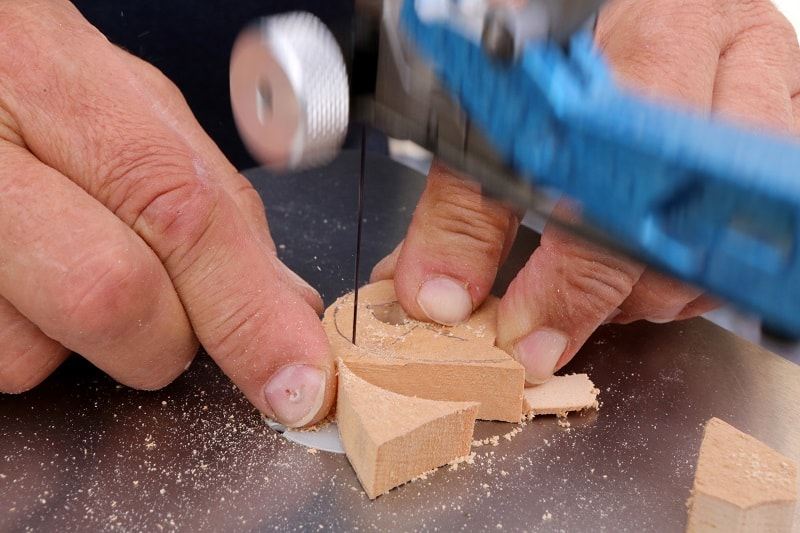 How to Keep Scroll Saw Blades from Breaking